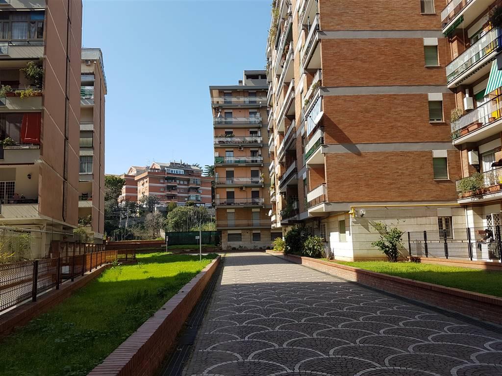 Trilocale in Via Odorisi Da Gubbio  202, Marconi, Ostiense, San Paolo, Roma