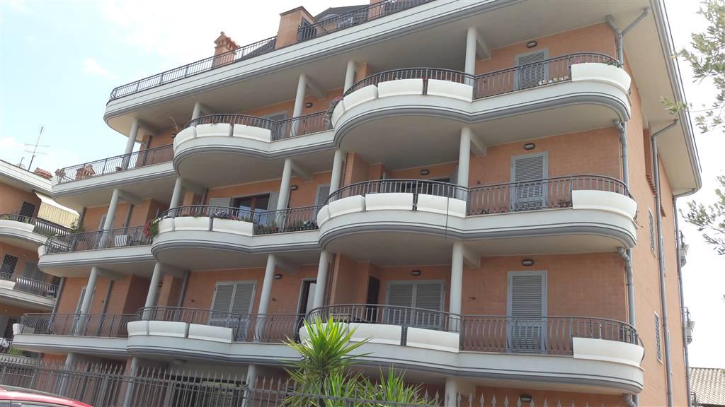 Mansarda in Via Del Padiglione 30, Roma