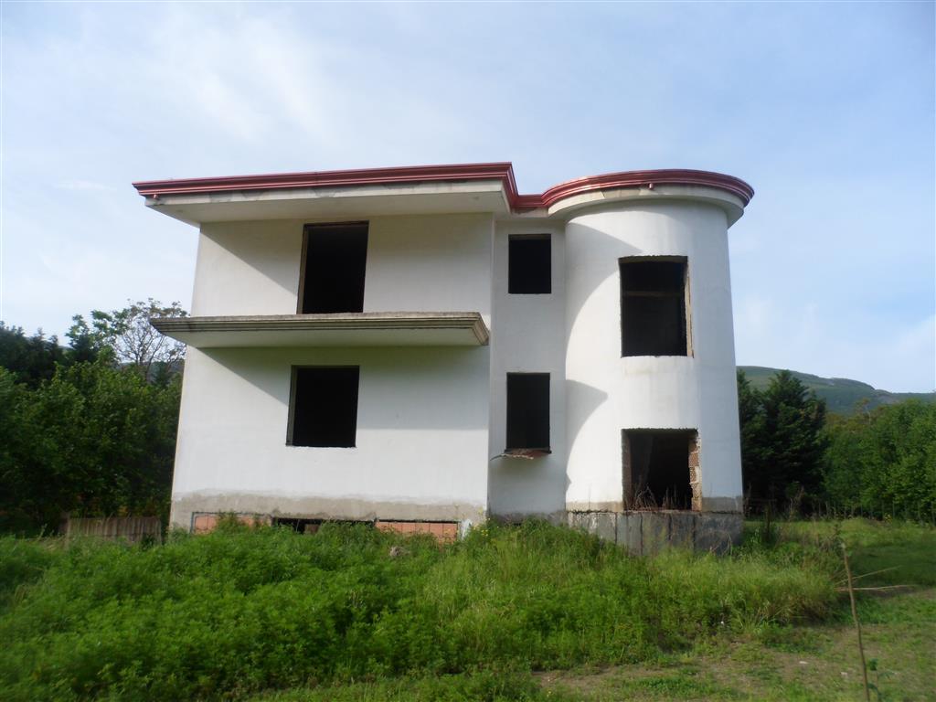Villa in vendita a Lauro, 5 locali, zona Località: TUTTI, prezzo € 160.000 | CambioCasa.it