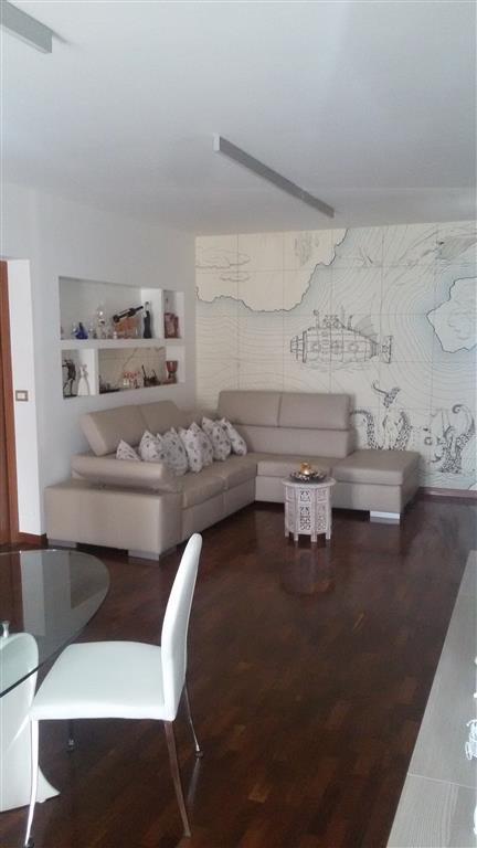 Appartamento in vendita a Cimitile, 4 locali, zona Località: CIMITILE, prezzo € 170.000   CambioCasa.it