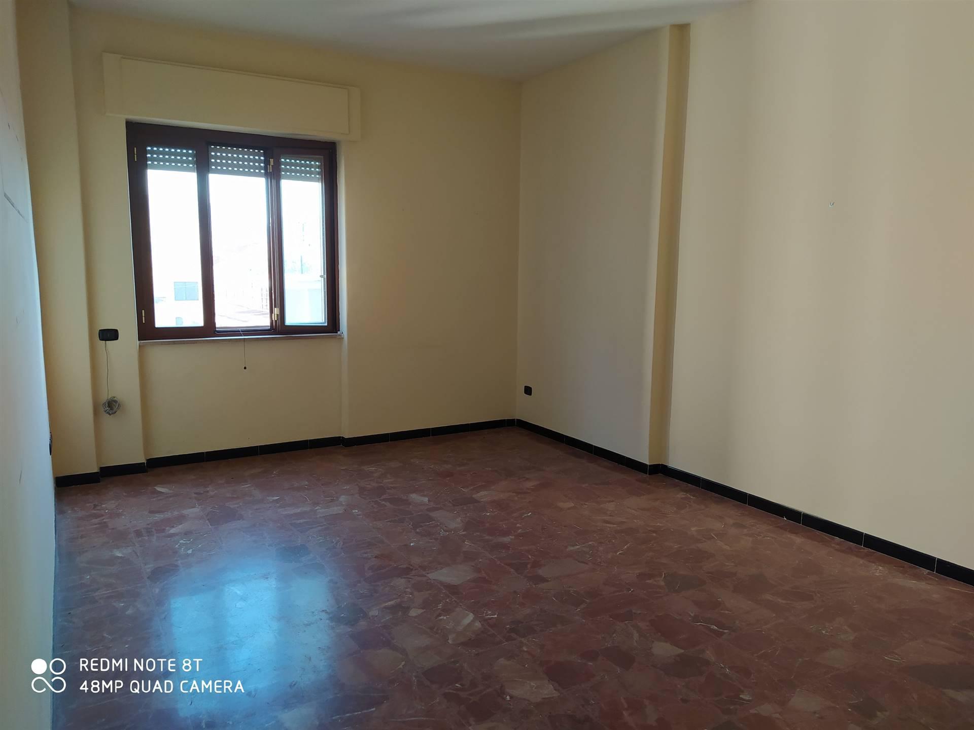 Appartamento in affitto a Nola, 4 locali, zona Località: NOLA, prezzo € 450 | CambioCasa.it