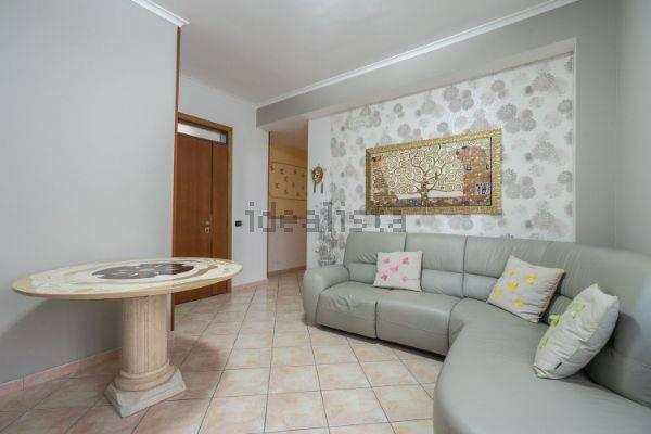 Appartamento in vendita a Nola, 4 locali, zona Località: NOLA, prezzo € 100.000 | CambioCasa.it