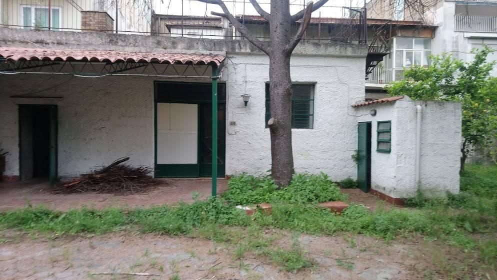 Affitto locali commerciali napoli cerco locale for Affitto locale c1