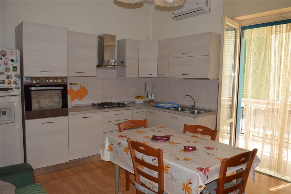 Appartamento in vendita a Nola, 4 locali, prezzo € 140.000 | CambioCasa.it