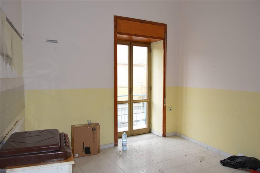 Appartamento in vendita a Comiziano, 4 locali, prezzo € 65.000 | CambioCasa.it
