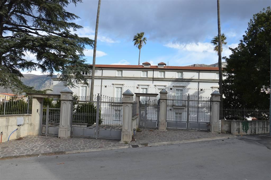 Palazzo / Stabile in vendita a Lauro, 16 locali, zona Zona: Pignano, prezzo € 850.000 | CambioCasa.it