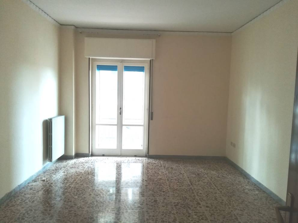 Appartamento in vendita a Nola, 5 locali, zona Località: NOLA, prezzo € 125.000 | CambioCasa.it