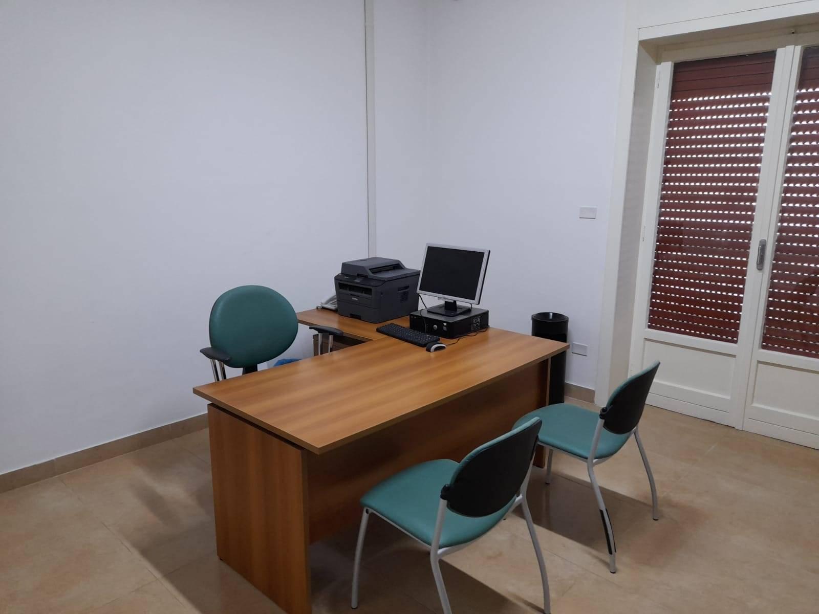 Ufficio / Studio in affitto a Nola, 1 locali, zona Località: NOLA, prezzo € 300 | CambioCasa.it