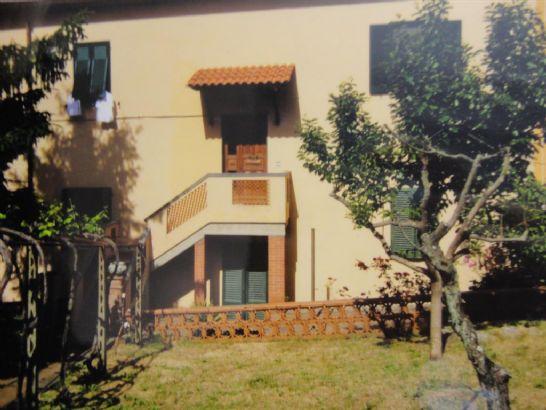 Appartamento in vendita a Pomarance, 5 locali, zona Zona: Serrazzano, prezzo € 170.000 | CambioCasa.it