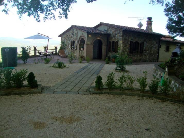 Rustico / Casale in vendita a Montecatini Val di Cecina, 6 locali, zona Zona: Sassa, prezzo € 465.000 | CambioCasa.it