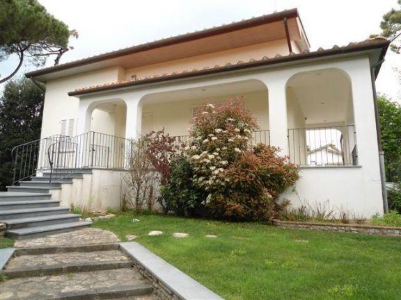Villa, Tirrenia, Pisa, ristrutturata
