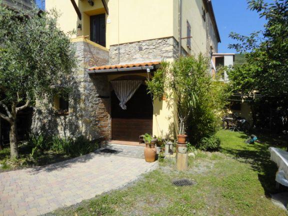 Appartamento in vendita a Santa Luce, 3 locali, zona Zona: Pastina, prezzo € 70.000 | CambioCasa.it