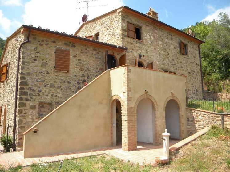 Appartamento in vendita a Montecatini Val di Cecina, 4 locali, Trattative riservate | CambioCasa.it