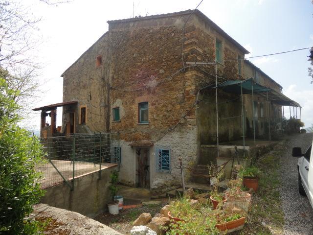 Appartamento in vendita a Montecatini Val di Cecina, 4 locali, zona Zona: Sassa, prezzo € 110.000 | CambioCasa.it