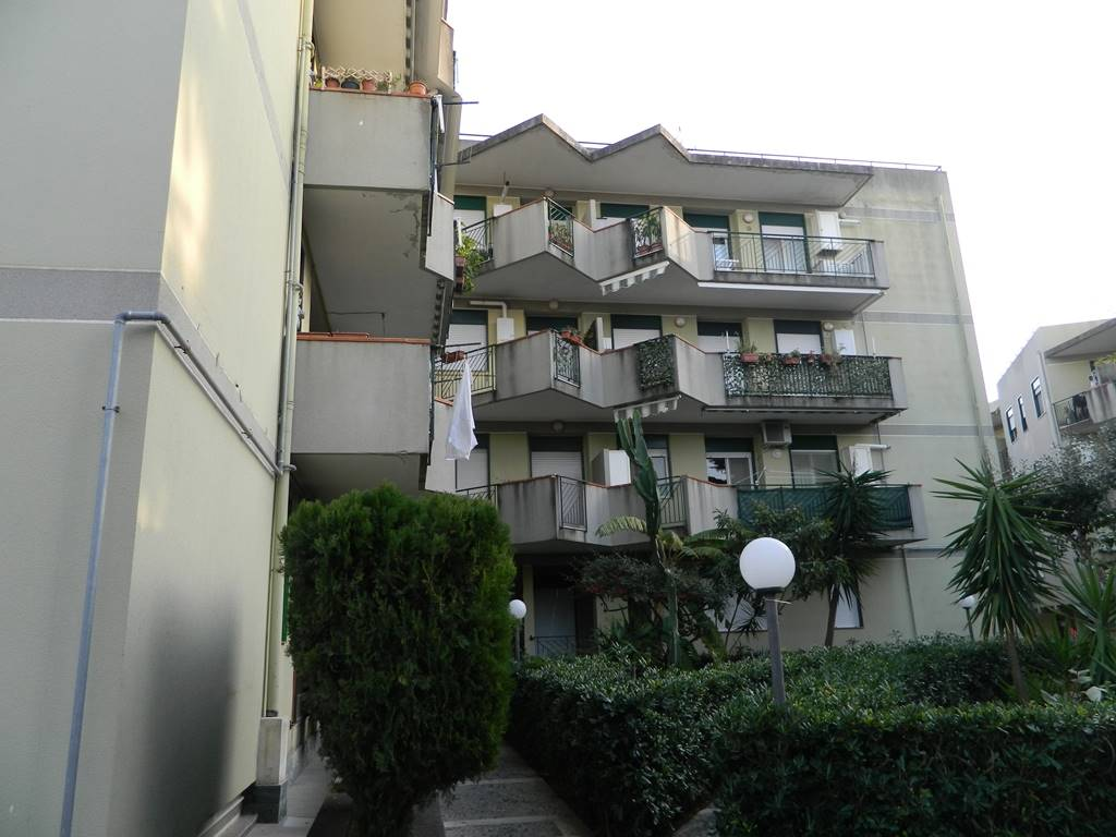 Trilocale in Via Nazionale  191, Rometta