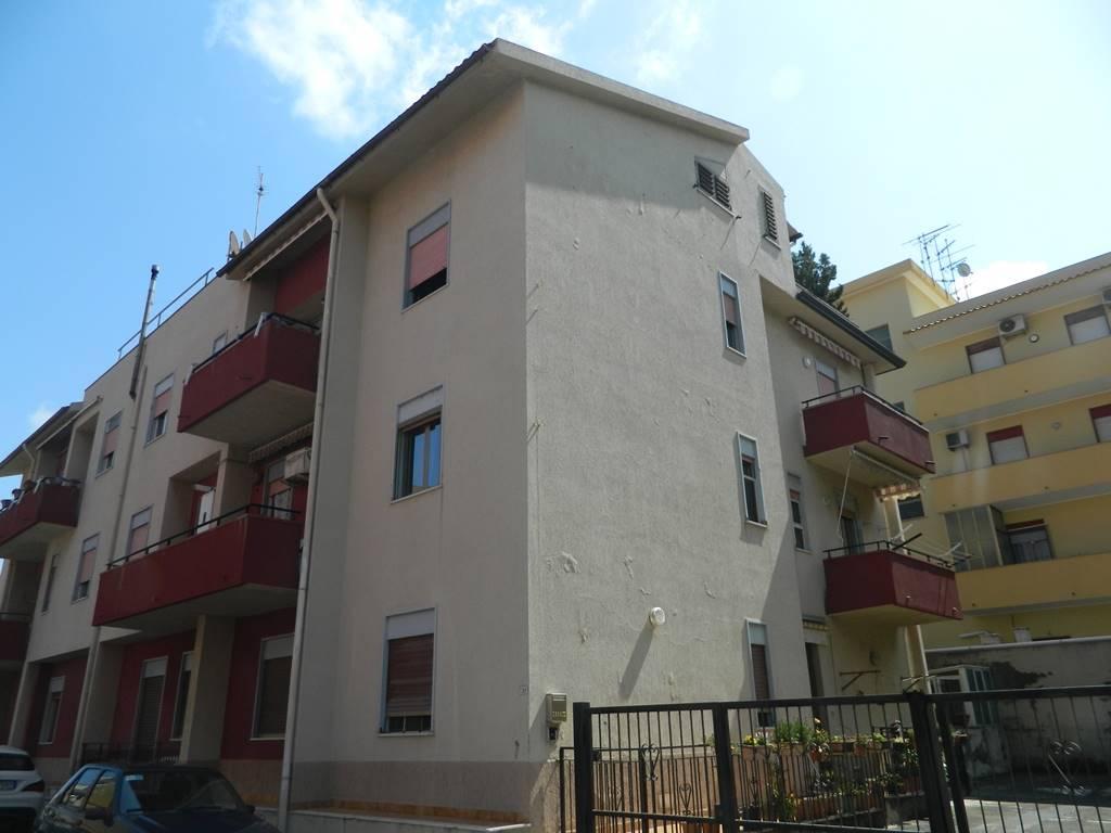 Trilocale in Via  G.puccini 37, Rometta