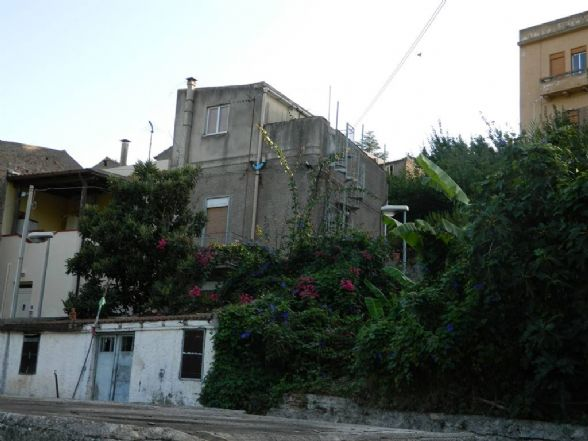 Casa singola in Via Caliatore, Scarcelli, Saponara