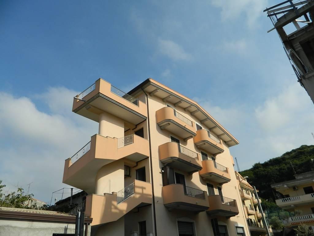 Appartamento indipendente in Via C.a. Dalla Chiesa, Rometta