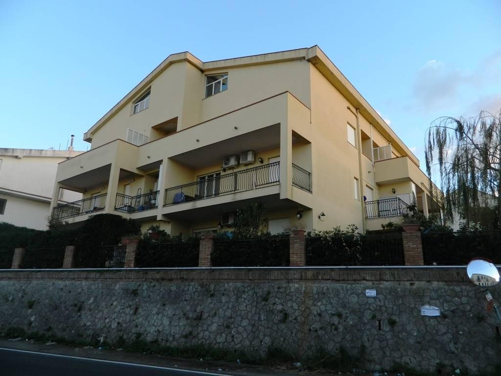 Trilocale in Contrada Mezzacampa, Messina