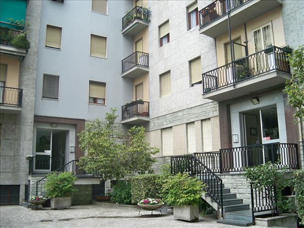 Trilocale in Via Comacchio 3, Corvetto, Lodi, Forlanini, Milano