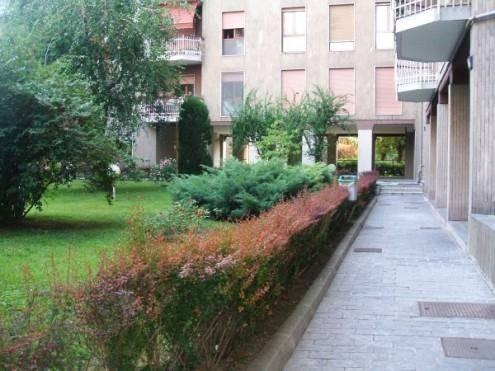 Stanza / Camera, Barona, Giambellino, Lorenteggio, Milano, in ottime condizioni