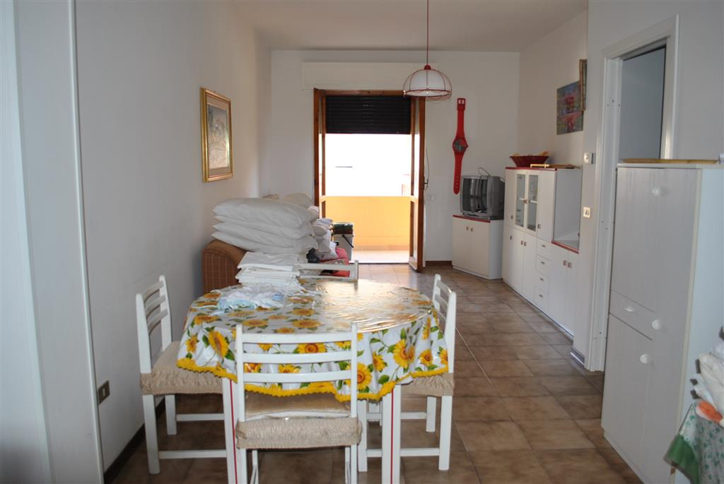 Appartamento in vendita a Alba Adriatica, 3 locali, prezzo € 120.000   CambioCasa.it
