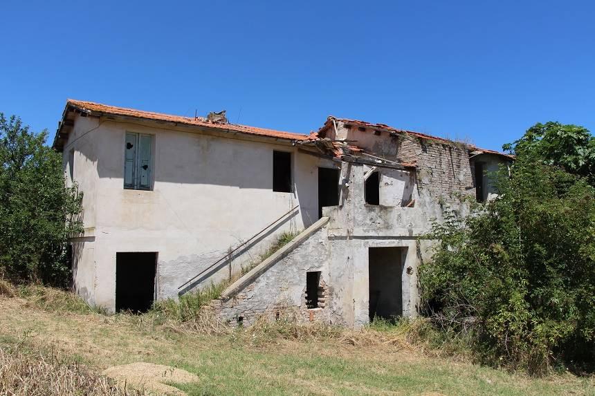 Altro in vendita a Mosciano Sant'Angelo, 5 locali, zona Zona: Montone, prezzo € 180.000 | CambioCasa.it