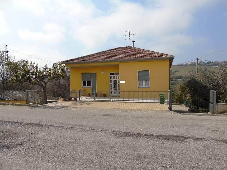 Casa singola, Montone, Mosciano Sant'angelo