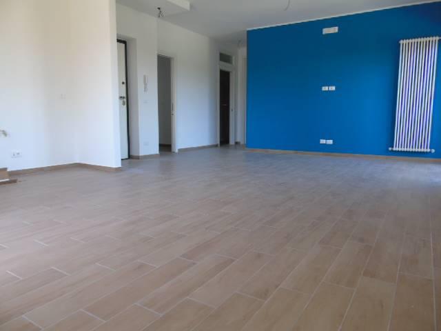 Appartamento in vendita a Alba Adriatica, 6 locali, prezzo € 197.000   CambioCasa.it