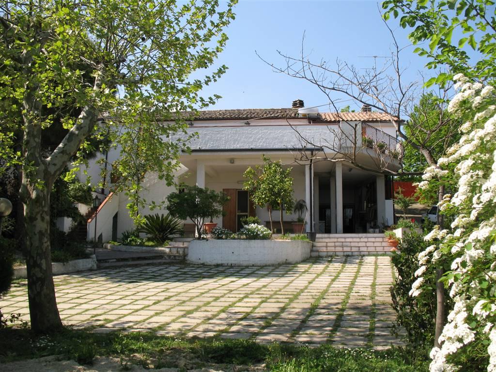 Casa singola, Mosciano Sant'angelo, abitabile