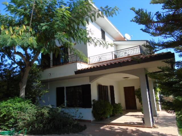 Appartamento in vendita a Roseto degli Abruzzi, 7 locali, zona Zona: Cologna Paese, prezzo € 400.000 | CambioCasa.it