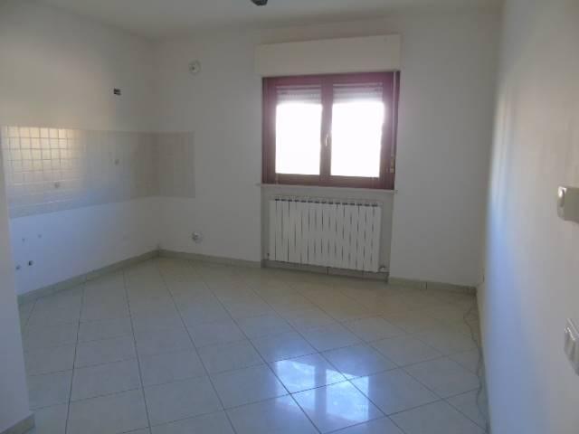 Appartamento in vendita a Alba Adriatica, 2 locali, prezzo € 69.000   CambioCasa.it