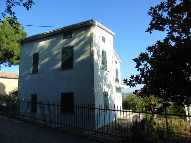 Casa singola, Corropoli, abitabile