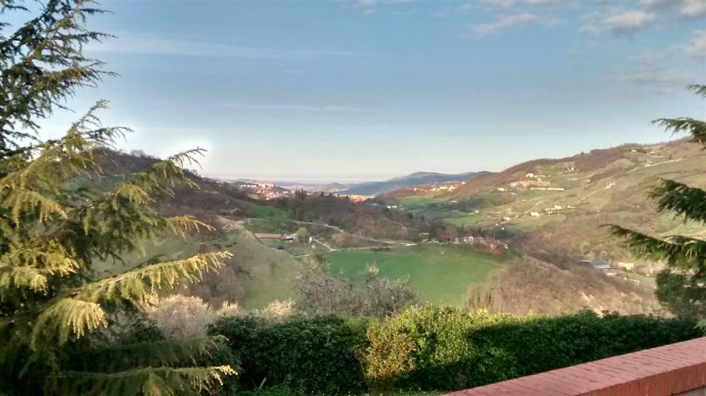 Villa, Cavuccio, Teramo, seminuova