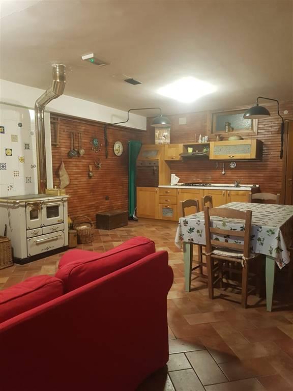 Villa a schiera, Teramo