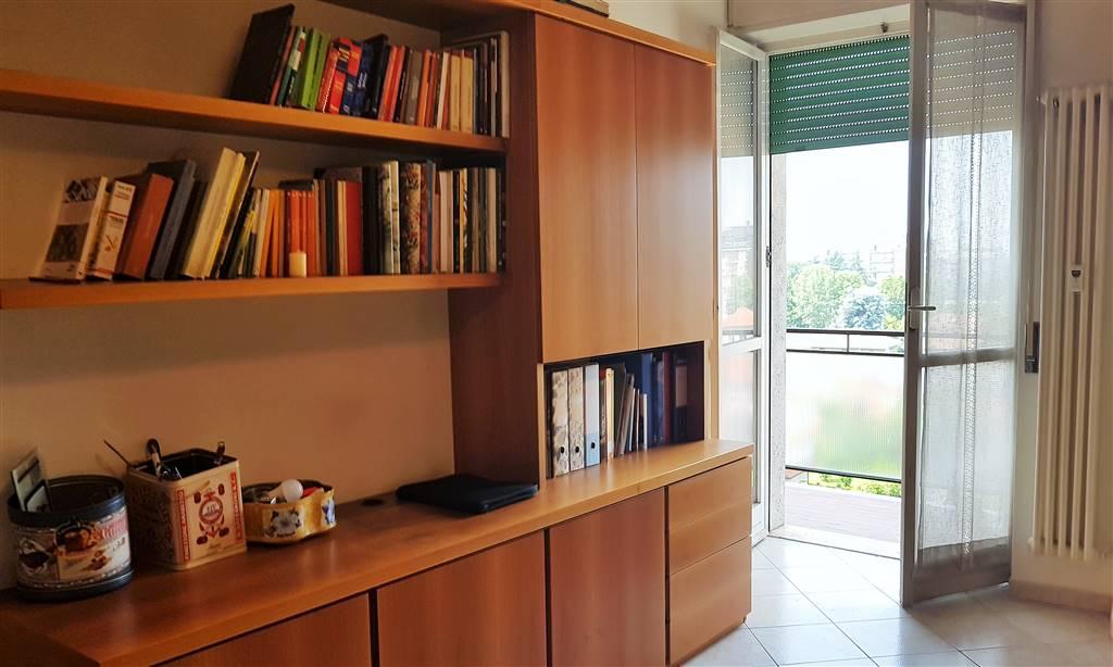 L'appartamento abitabile immediatamante chiavi in meno? L'immobile già pronto per l'affito in una zona altamente commerciale? Questo due locali potrebbe essere la soluzione giusta. Ristrutturato,