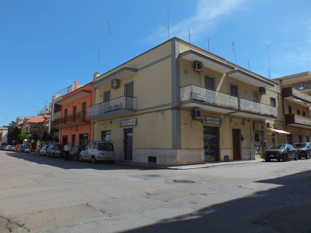 Attività / Licenza in vendita a Valenzano, 2 locali, Trattative riservate | CambioCasa.it