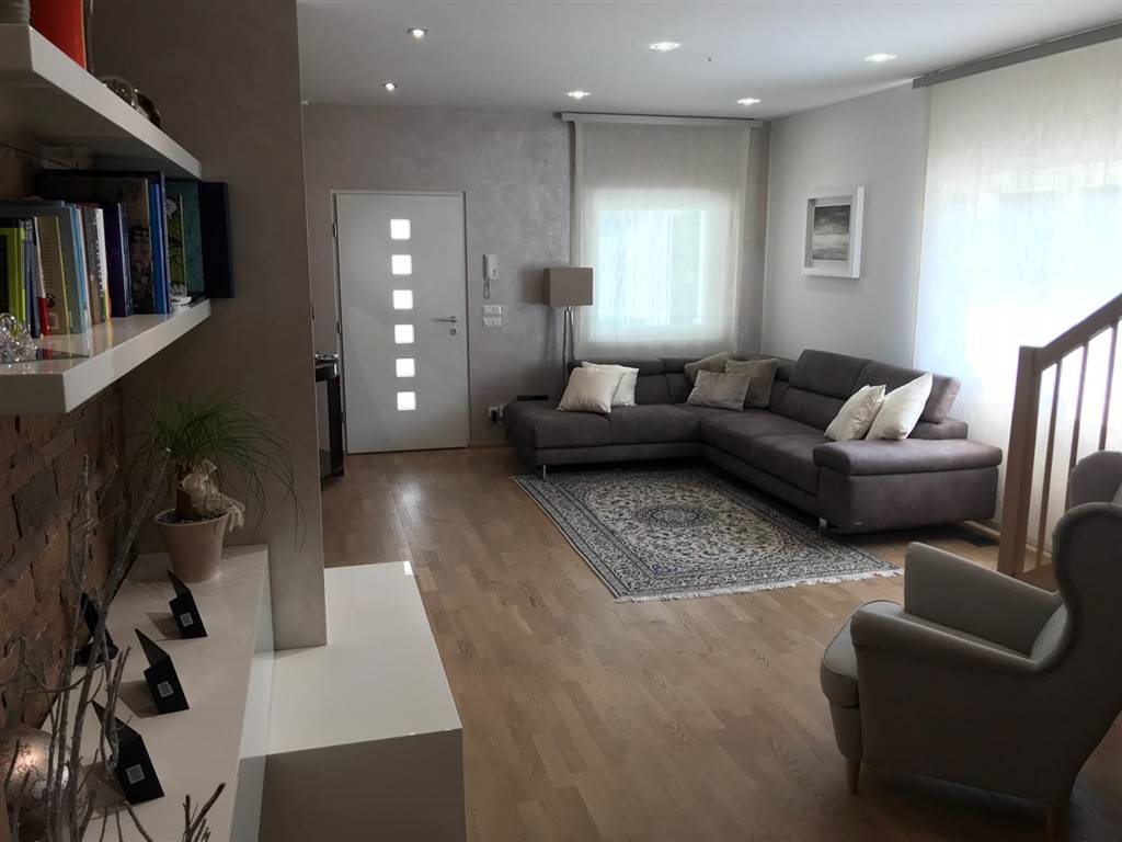Villa bifamiliare a CURTAROLO