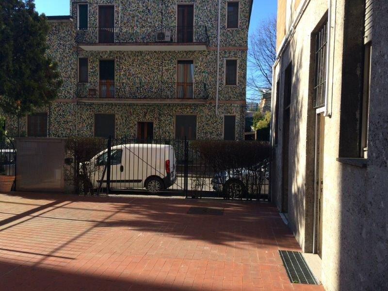 Negozio in vendita a san donato milanese milano rif - Piscina san giuliano milanese ...