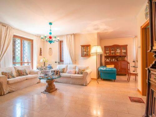 Villa bifamiliare a SAN GIULIANO MILANESE