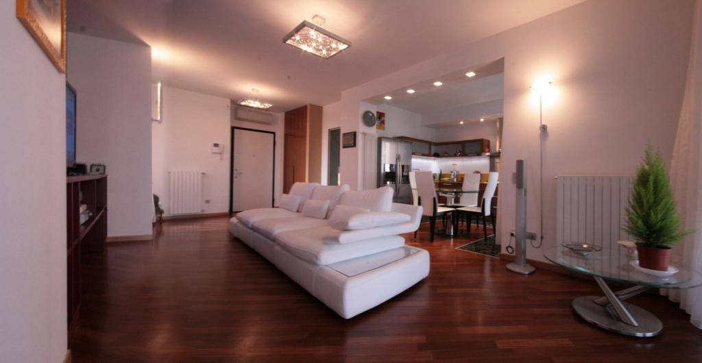 San Donato Milanese – Via Europa – Residenza Laghetto: proponiamo in vendita, in complesso residenziale signorile di grande pregio con servizio di