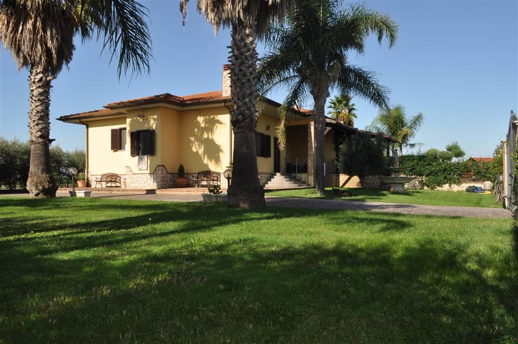 Appartamento in vendita a Pontinia, 8 locali, zona Località: MESA DI PONTINIA, prezzo € 250.000 | PortaleAgenzieImmobiliari.it
