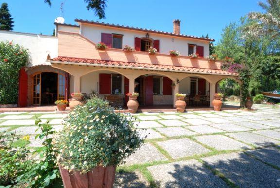 Villa, Piombino, ristrutturata