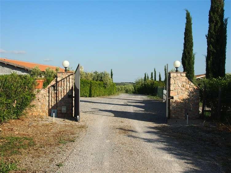Agriturismo in vendita a Orbetello, 9999 locali, Trattative riservate | CambioCasa.it