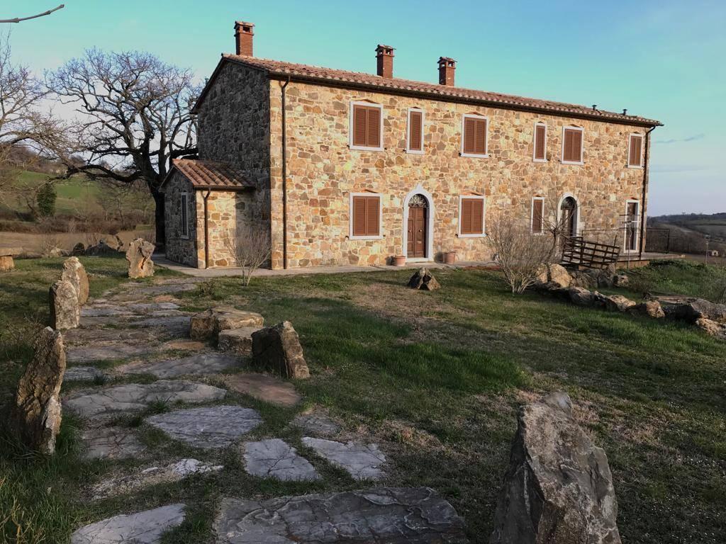 Agriturismo in vendita a Semproniano, 12 locali, prezzo € 790.000   CambioCasa.it