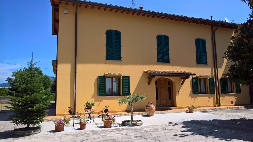 Colonica, Campi Bisenzio, ristrutturata