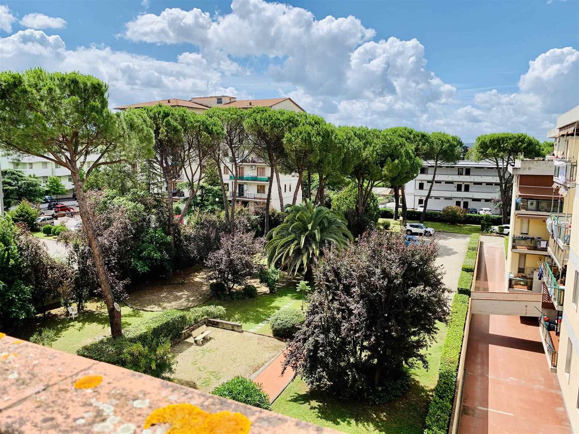 Vista su giardino condominiale