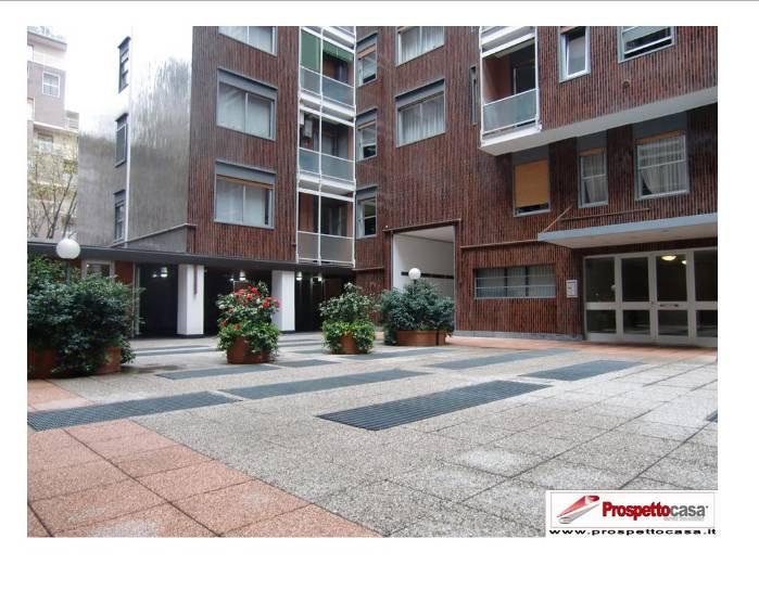 Appartamento in Roncaglia 14, De Angeli, Vercelli, Washinghton, Milano