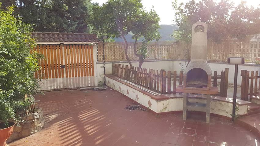 Villa a schiera in Viale Delle Ginestre 9, San Mango Piemonte