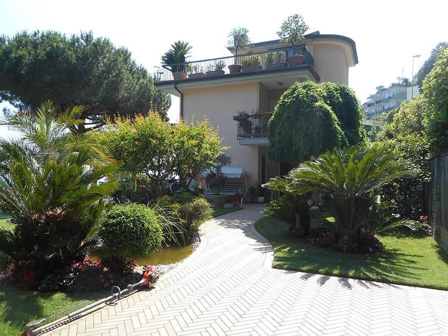 Villa in Viale Degli Eucalipti, Ginestre , Sala Abbagnano , Panoramica , Casa Manzo, Salerno